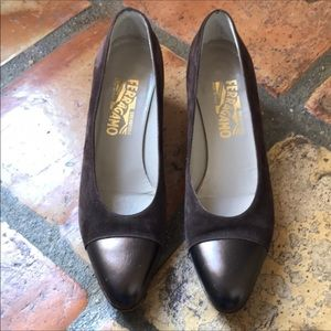 👠Ferragamo Brown Suede and Leather Pumps